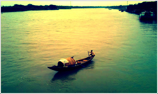 আলীকদমে মাতামুহুরী নদীতে নৌকা ডুবে দুই মহিলা নিখোঁজ