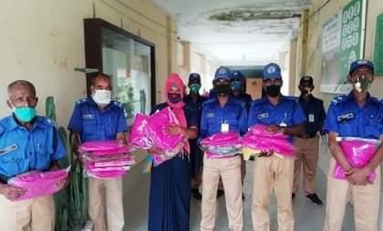 ভাঙ্গুড়ায় গ্রাম-পুলিশদের পিপিই প্রদান