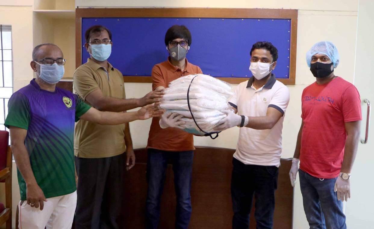 কর্মরত ফটো সাংবাদিকদের পিপিই দিয়েছে পায়েল ফাউন্ডেশন | সি কক্স নিউজ