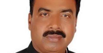 পেকুয়ায় বেড়িবাঁধ কেটে চেয়ারম্যানের অনুমোদন হীন সুইচ গেট | ChannelCox.com