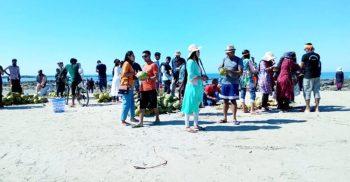 সেন্টমার্টিনে দু'দিন ধরে আটকা শতাধিক পর্যটক | ChannelCox.com