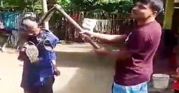 সারারাত মারধরের পর সকালে কোদাল দিয়ে মাথা ন্যাড়া | ChannelCox.com